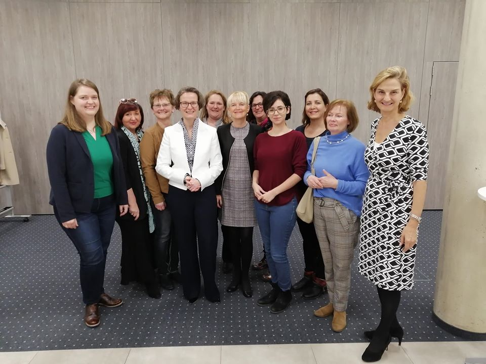 Frauenpower mit Ministerin Ina Scharrenbach